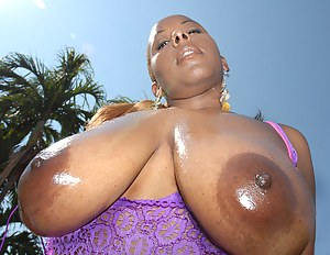 Free Oiled Mature Porn Pictures