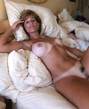 Free Tanned Mature Porn Pictures