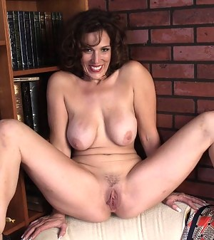 Free Mature Pussy Porn Pictures