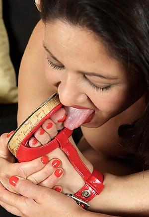 Free Mature Toe Sucking Porn Pictures